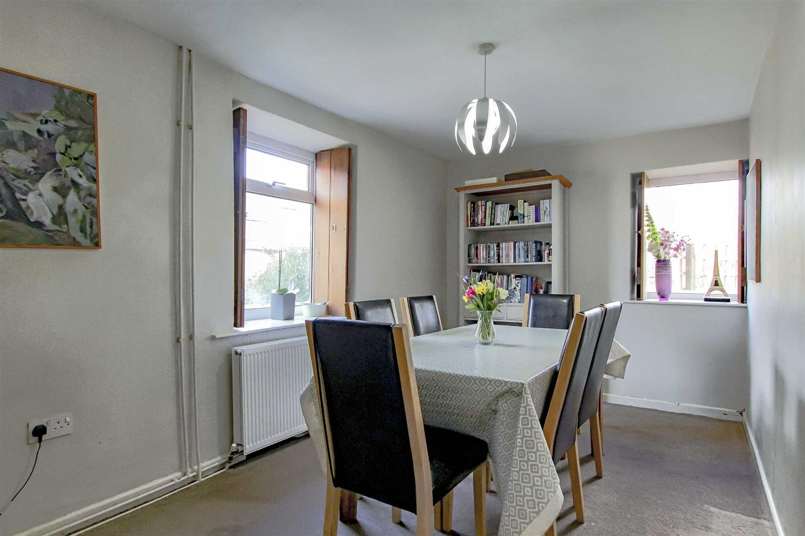 4 Bedroom Detached House For Sale - p033686_38.jpg